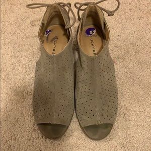 Lucky brand heeled suede sandal 8.5